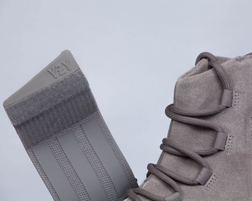 """Adidas Yeezy 750 Boost """"Glow in the"""